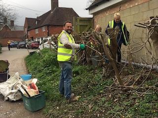 Image of team clearing up Ham Lane